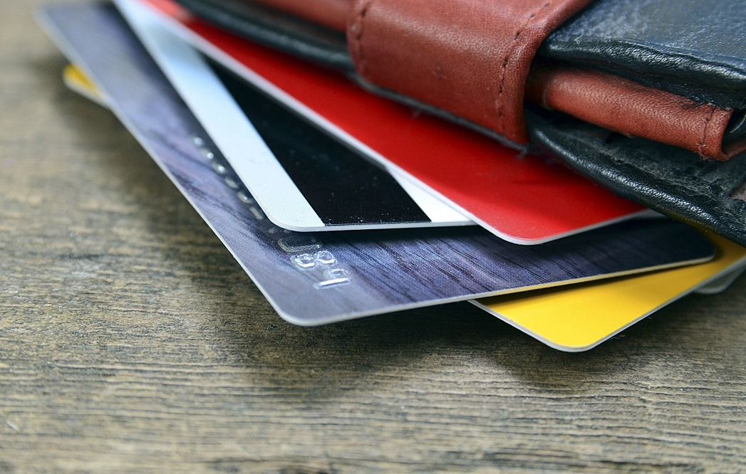 Best RFID Credit Card Holder - Complete Reviews with Comparisons